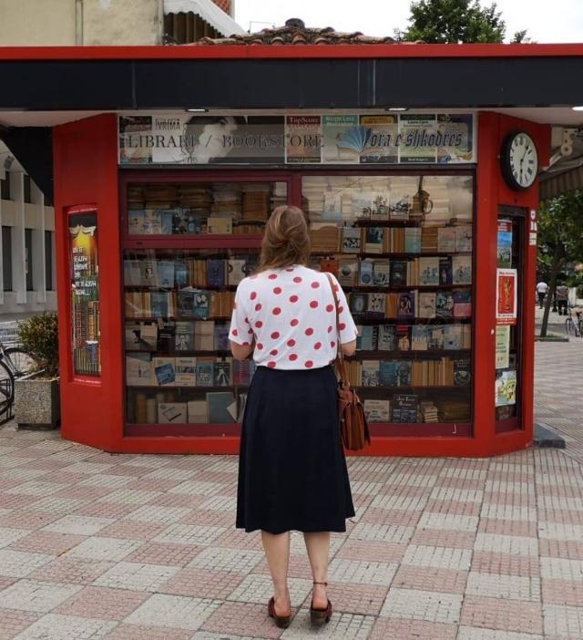 MeedeGroot voor boekenhandel in Albanië